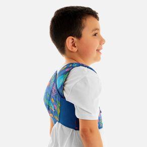 Exemplo-de-utilizacao-do-Espaldeira-para-Postura-Infantil-da-Chantal-Kids-estampado