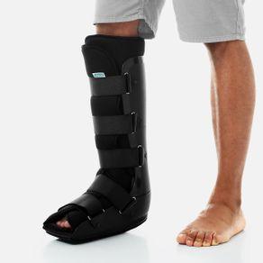 exemplo-de-utilizacao-da-Bota-Ortopedica-Robocop-Imobilizadora-Chantal-cor-preta-diversos-tamanhos